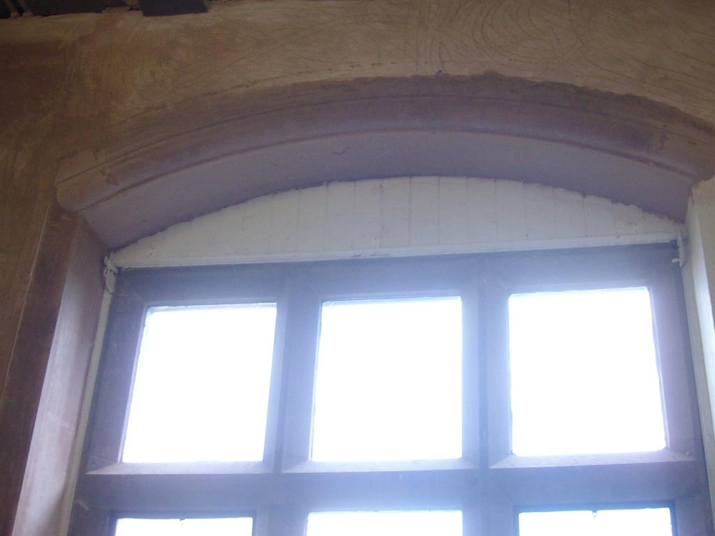 In Situ Plasterwork Arch Repair (4 of 4) - Completed plaster arch with hand finished mitres at either end