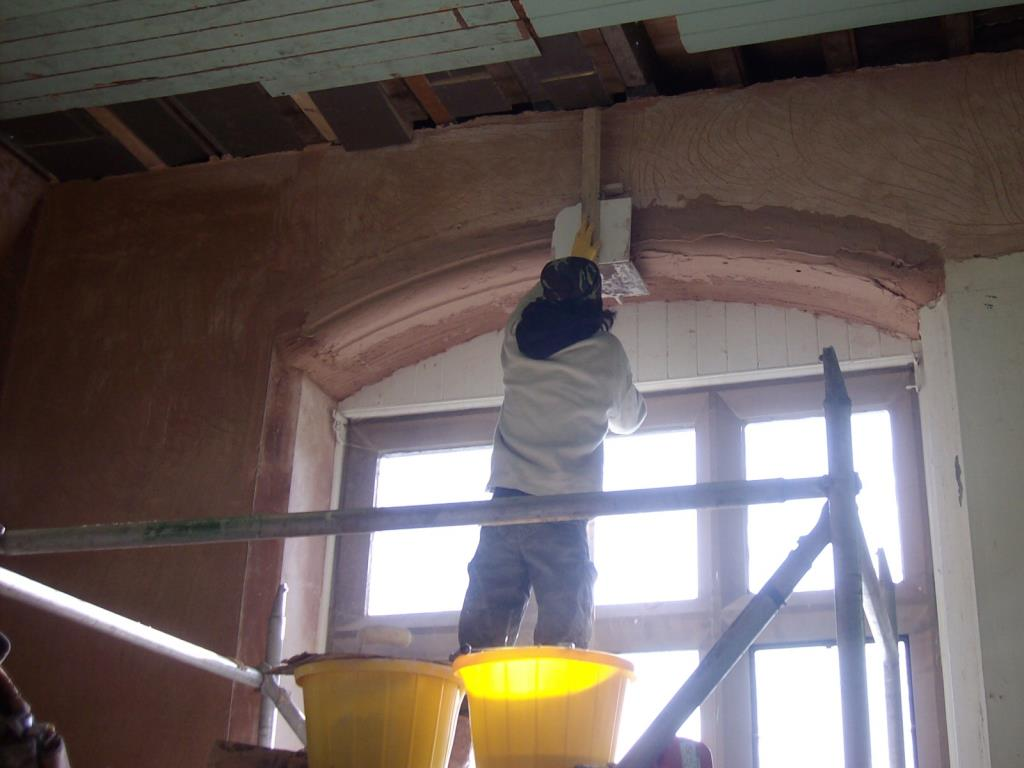 In Situ Plasterwork Arch Repair (3 of 4) - Running the replica mould to create the bullnose plastered arch window reveal